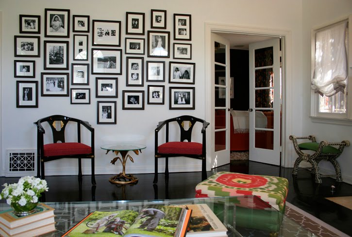 Frame design on wall